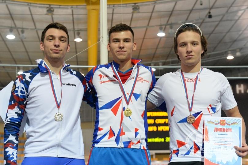 Cаратовец завоевал золото навсероссийских соревнованиях поконькобежному спорту