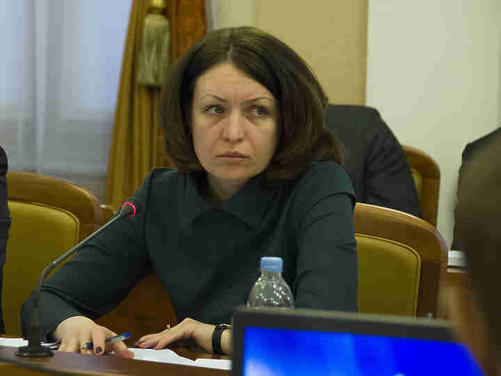 Оксана Фадина поручила оперативно снести вОмске расселенные аварийные дома